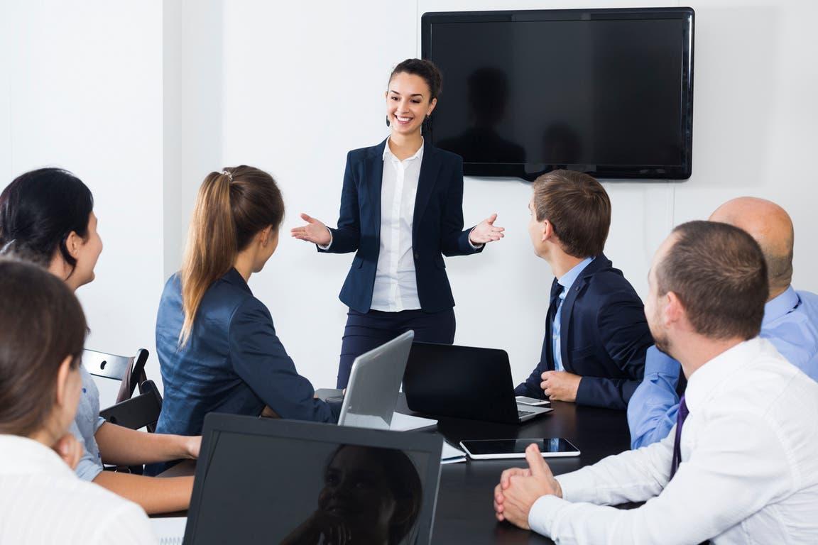 Las mujeres ocupan menos de 20% de los cargos ejecutivos en las empresas