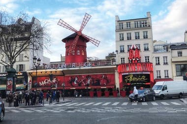 Moulin Rouge.