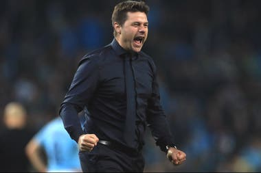 La noche que Tottenham consiguió la clasificación a la final de la Champions League regaló esta imagen: un Pochettino poco habitual.