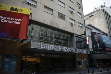 La reapertura del Teatro Alvear en la avenida Corrientes