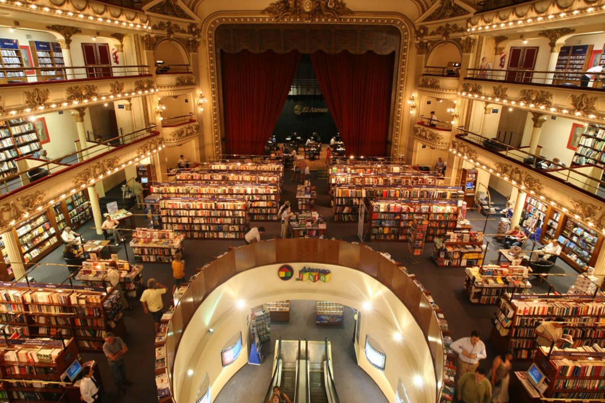 El embajador de México fue demorado por robar en la librería El Ateneo Grand Splendid