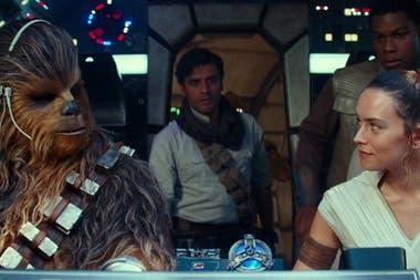 Chewbacca, el Poe Dameron de Oscar Isaac y Daisy Ridley como Rey, a bordo del Halcón Milenario