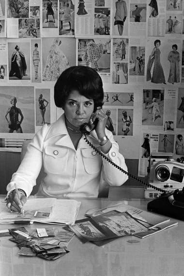 Eunice en su despacho