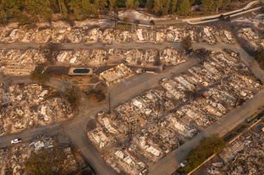 """En Oregon, al menos cinco localidades quedaron """"sustancialmente destruidas"""", dijo la gobernadora Kate Brown."""