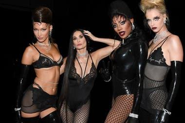 Demi Moore participó del desfile de Rihanna y sorprendió a todos por su increíble belleza