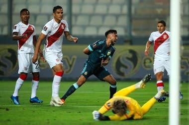 González ya prepara la celebración, tras el gol que abrió el triunfo de la Argentina ante Perú.