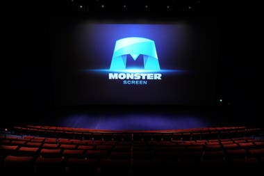 Monster Screen, la diferencia entre mirar cine y vivirlo