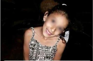 La familia difundió la foto en las redes sociales haciendo la denuncia del ataque sufrido por la menor