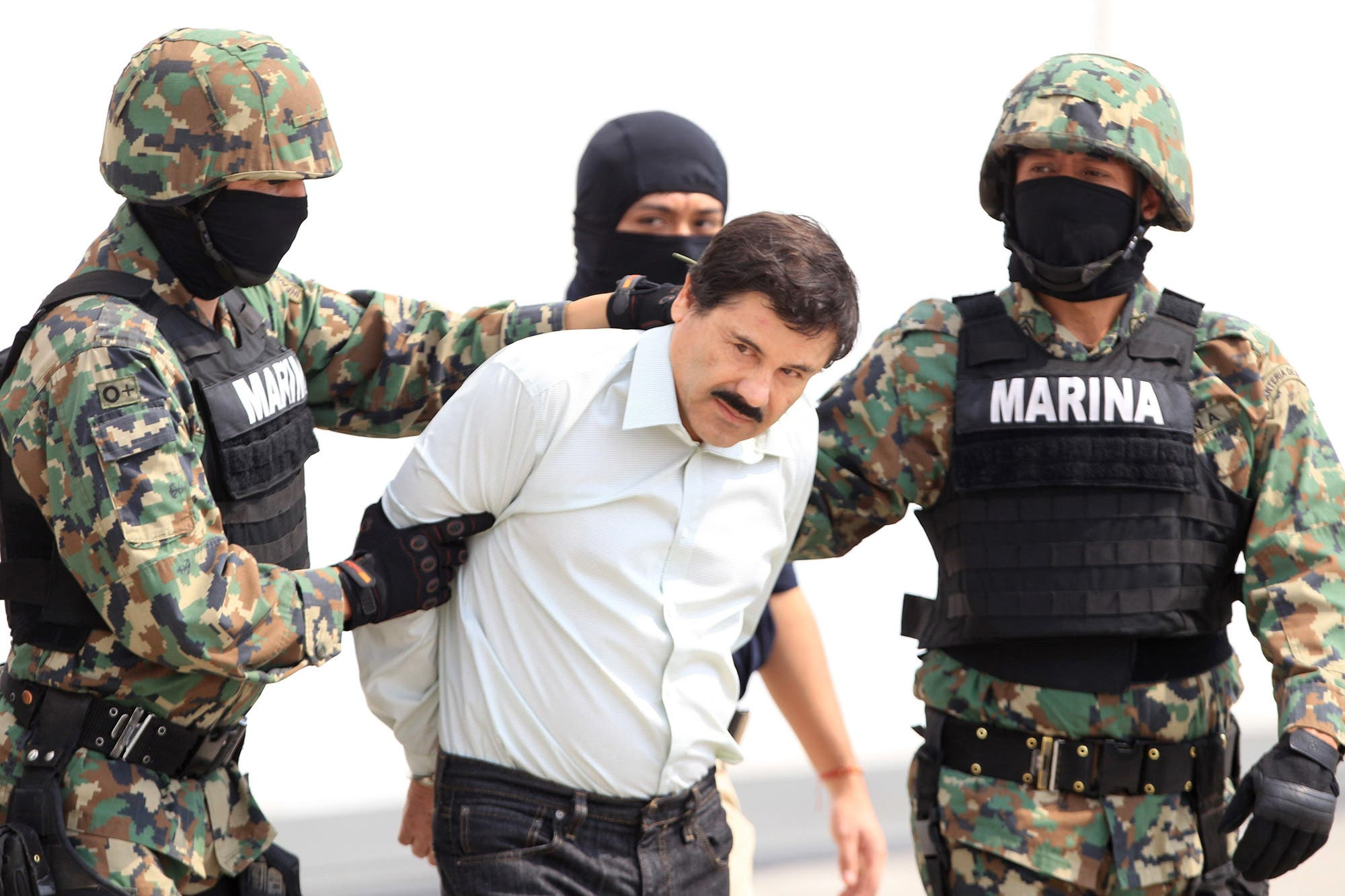 """Narcovalijas: un testigo en el juicio de """"el Chapo"""" Guzmán dijo que se envió cocaína de la Argentina a México"""