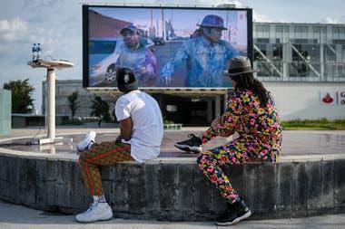 Lil Buck y Jon Boogz llevaron su experiencia con la danza callejera y con la vida al festival