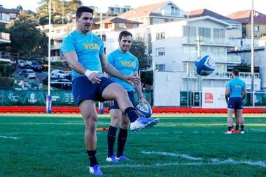 Pablo Matera y Nicolás Sánchez, durante el entrenamiento en Sydney