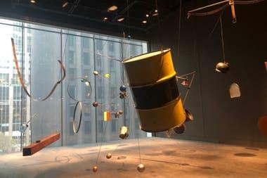 Instalación sonora de David Tudor en la nueva sala dedicada a performance