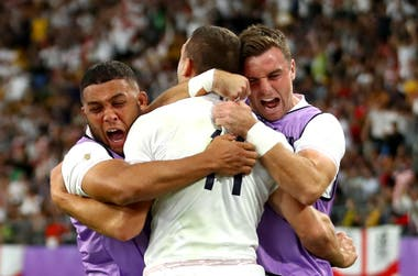 Trial of Wing Jonny May (11), Celebration of Englishmen, Overwhelming