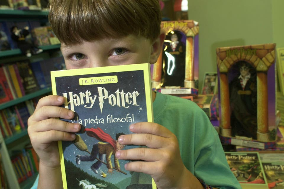 Resultado de imagen de a autora de Harry Potter liberó los derechos de sus libros para docentes de todo el mundo