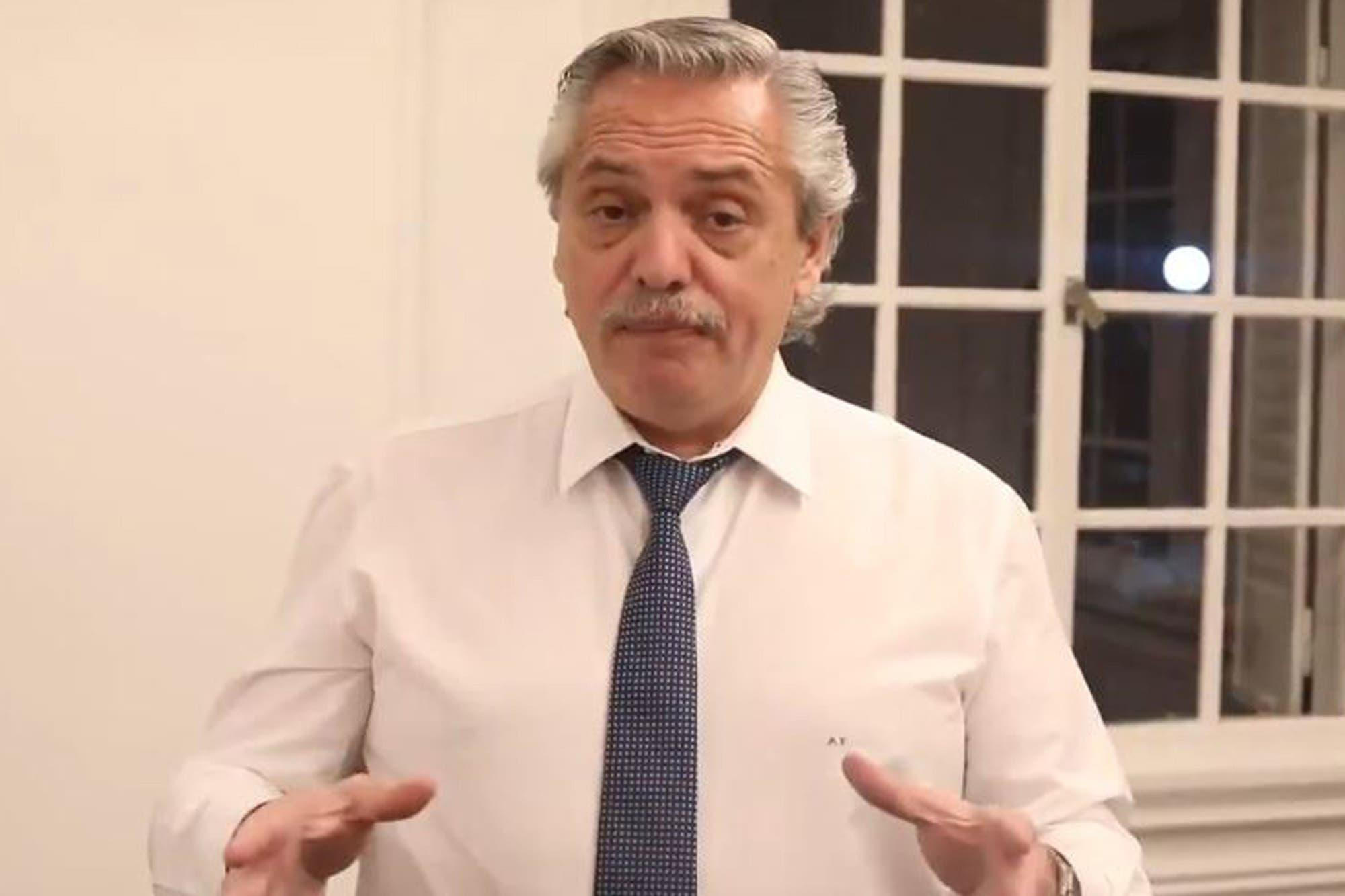 Alberto Fernández recordó el aniversario del juicio a las Juntas y homenajeó a Raúl Alfonsín