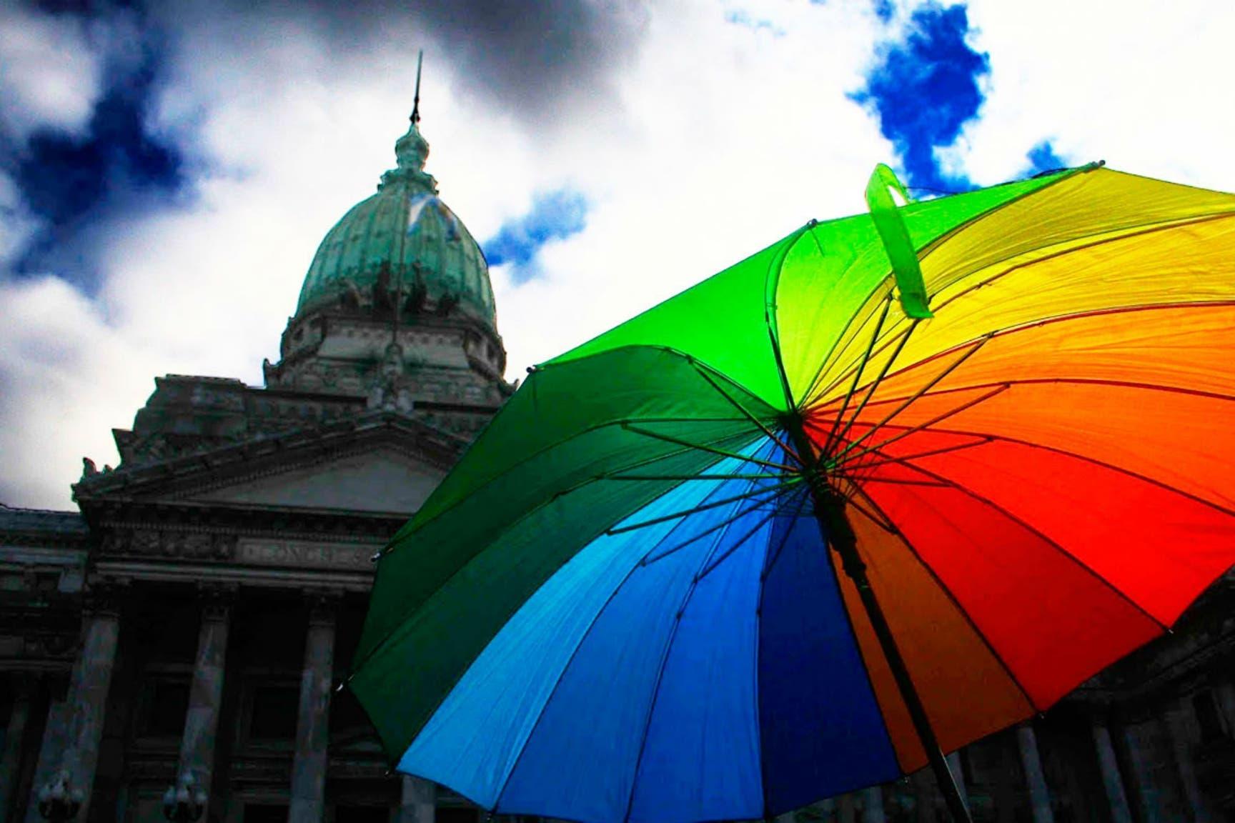 El Gobierno celebró el aniversario de la ley de matrimonio igualitario y pidió más derechos para las minorías sexuales