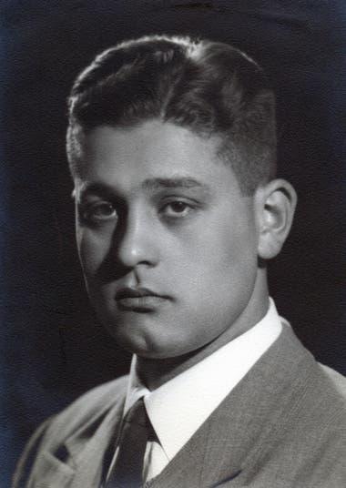 Su ingreso al Colegio Nacional Rafael Hernández dependiente de la Universidad Nacional de La Plata cambió su vida