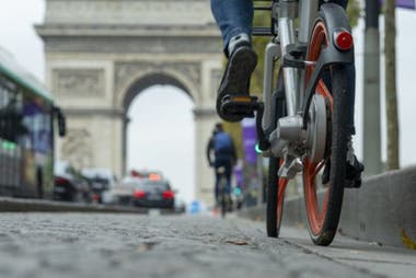 París aspira a que su casco histórico esté libre de autos.