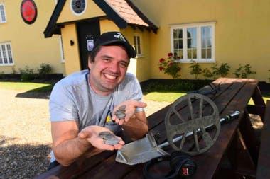 """Luke Mahoney encontró lo que para él mismo fue """"el tesoro más grande de mi vida"""" en el terreno trasero del pub de su pueblo"""