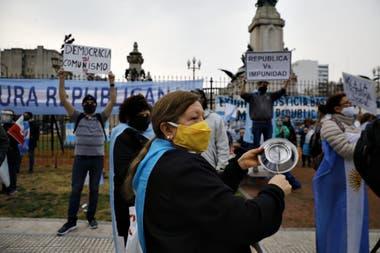 Acampe y protestas contra la reforma judicial en el Congreso