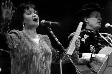 1993 08 29 Lolita Torres y Antonio Tarrago Ros en el Luna Park