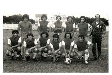 En 1983, Palermo se entrenaba en una cancha prestada (Juventud Unida) y jugaba en otra (Brown, de Adrogué); la situación ya era muy adversa.