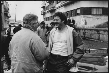 El director, Luis Puenzo, junto al fallecido actor puertorriqueño Raúl Julia