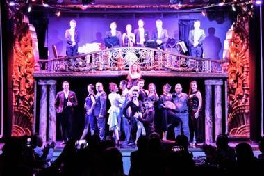 Gran show sobre el escenario del Palacio Tango
