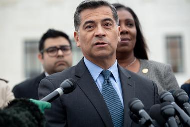 Xavier Becerra fue elegido por la administración Biden como el nuevo secretario de Salud, una decisión que debe ser confirmada por el Senado