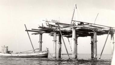 Una foto tomada durante la construcción de la Isla de las Rosas, iniciada por Giorgio Rosa en 1967