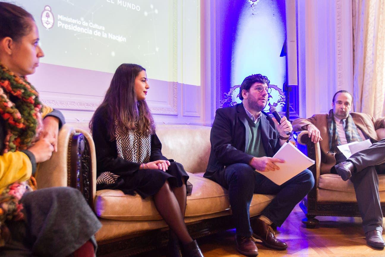 Pablo Avelluto y representantes de los grupos Pensamiento, Juventud y Mujeres, anunciaron el programa que este año traerá al país a Catherine Millet e Ivan Jablonka, entre otros intelectuales, artistas y científicos