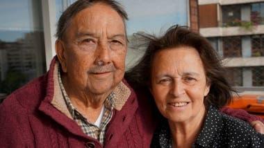"""Tener hijos hoy día en Chile es """"una carga con la que, con razón, los jóvenes no se quieren responsabilizar"""", analiza el jubilado Tobar"""