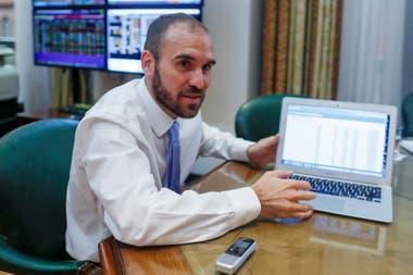 La tendencia descendente del riesgo país comenzó luego de que el Gobierno anunciara que extendió la negociación con los acreedores de deuda hasta el 22 de mayo próximo