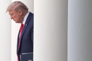 Donald Trump enfrenta crecientes críticas por su respuesta a la pandemia