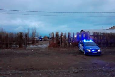Guardia policial en el lugar del homicidio de Gutiérrez esta tarde en El Calafate.