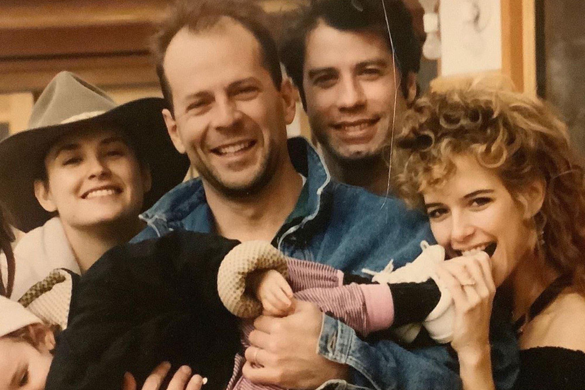 Demi Moore recordó a Kelly Preston con una foto retro junto a John Travolta y Bruce Willis