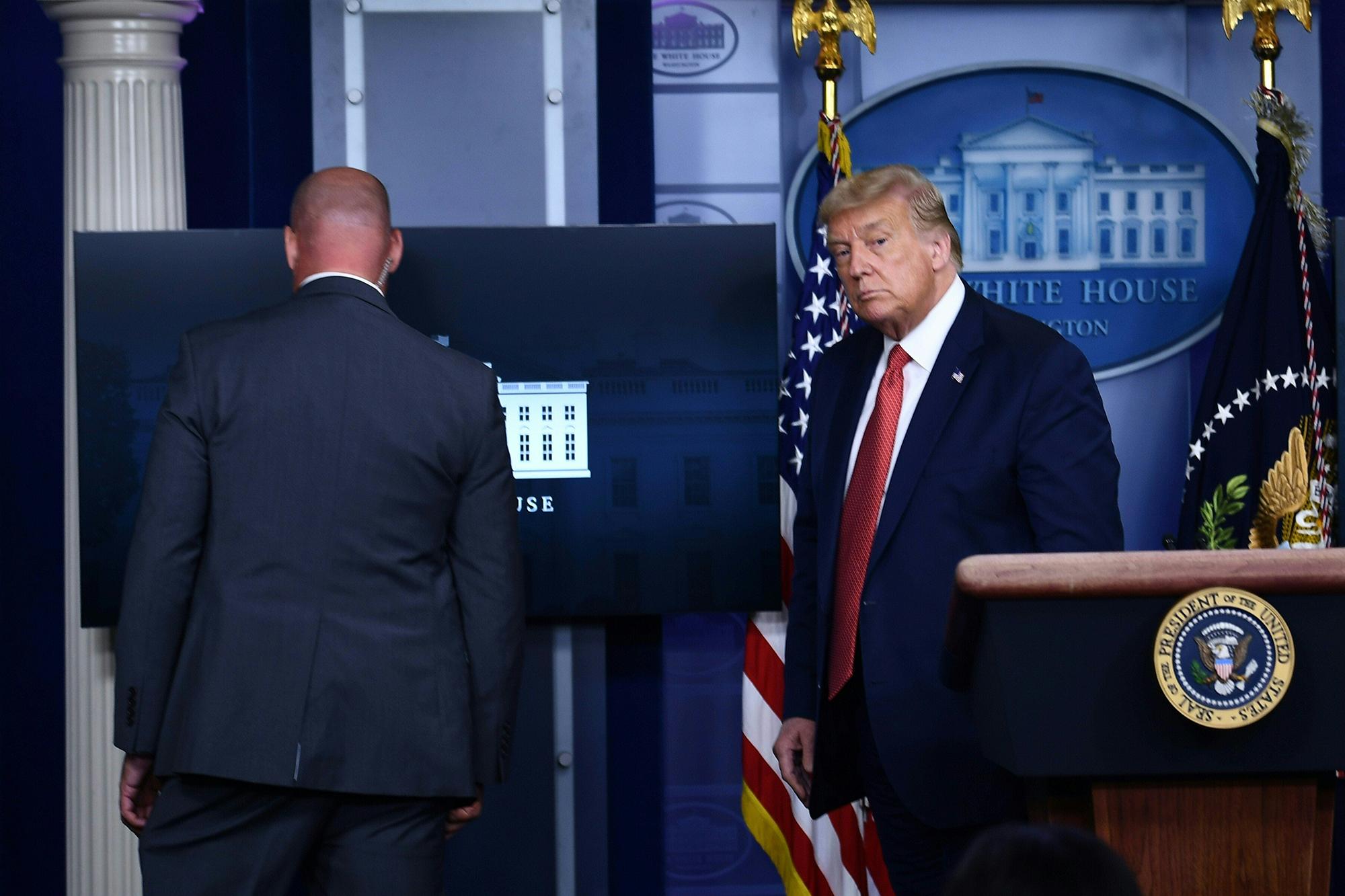 Conferencia de prensa de Donald Trump fue interrumpida por un tiroteo afuera de la Casa Blanca