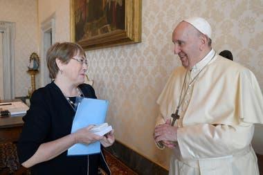 Vaticano: Francisco recibió a Bachelet y hablaron de la situación en Venezuela