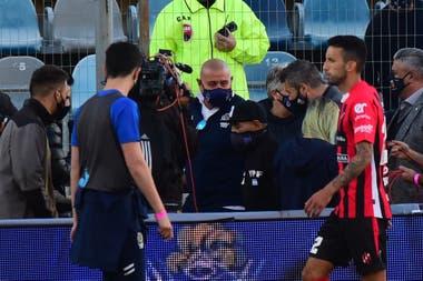 El viernes, Tapia y Tinelli fueron a saludar a Maradona, en el arranque de un torneo que nació con miles de problemas.