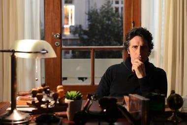 Peretti en En Terapia, el ciclo televisivo en el que personificó al psicoanalista Guillermo Montes