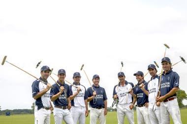 Producción con los dos equipos de La Dolfina: al lado de Cambiaso, Diego Cavanagh