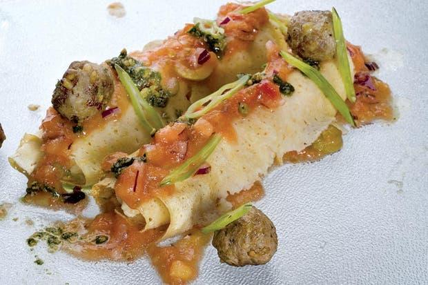 Receta de Canelones de ricota con salsa de tomate y albóndigas